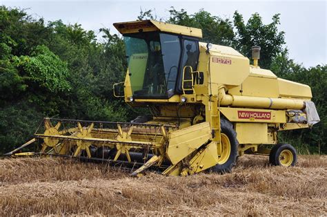 New Holland Clayson 8070 Combine Harvester   A New Holland
