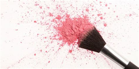 Dry Shampoo For Makeup Brushes Is Here And It's Life-Changing
