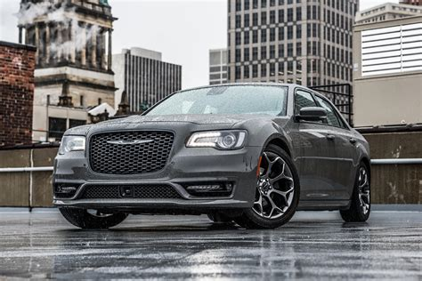 2021 Chrysler 300 Is Aimed At Enthusiast Buyers | CarBuzz